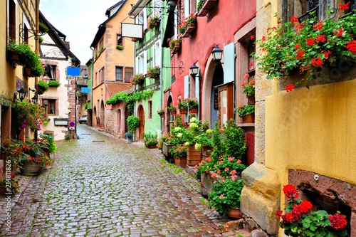 Fototapety, obrazy: Picturesque street in the of the town of Riquewihr, Alsace, France
