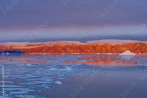 Alpenglow on the Arctic Bluffs плакат