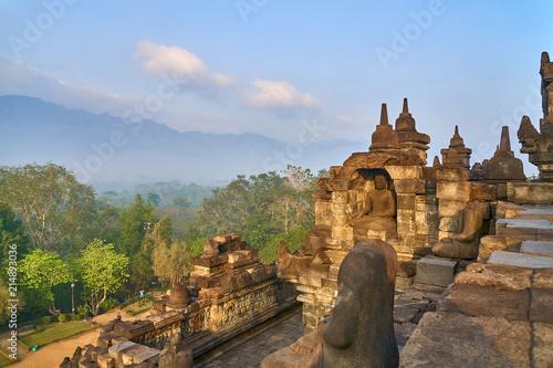 Deurstickers Bedehuis Borobudur Largest Buddhist temple in the world