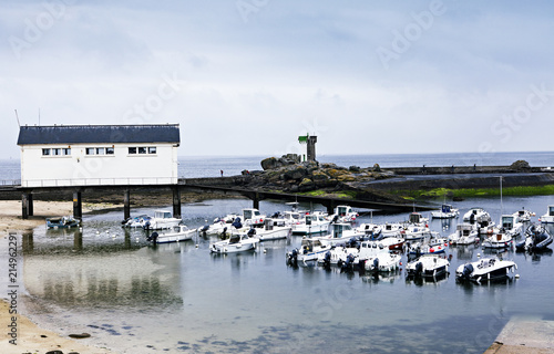 In de dag Poort small habour in brittany