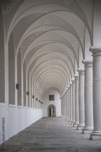 Fototapety, obrazy: Arch in the building in Dresden