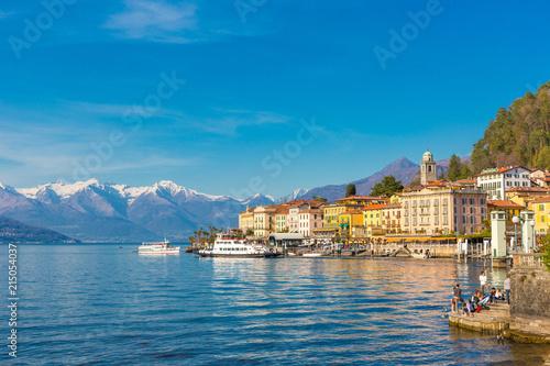 Canvas-taulu Bellagio ,Lake Como, Italy, 14 April 2013 Bellagio resort town on Lake Como, Lom