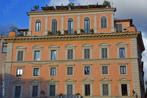 In de dag Oude gebouw Rome, view of historic building in the center of the city.