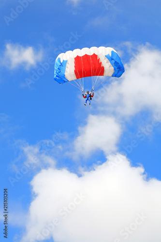 Foto op Canvas Luchtsport Parachutist in air