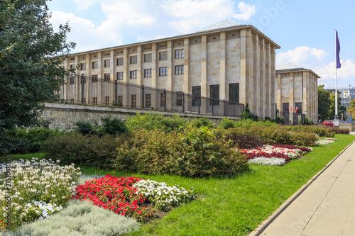 fototapeta na szkło Buildings of Polish National Museum at Jerozolimskie Avenue in Warsaw, Poland