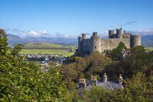 Uk, Wales, Gwynedd, Harlech, Harlech Castle, Mountains Of Snowdonia National Park Beyond