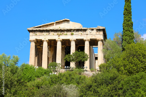 Deurstickers Bedehuis Beautiful view at the Temple of Hephaestus in Ancient Agora of Athens, Greece