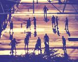 Uliczne gracz koszykówki sylwetki przy zmierzchem, stosować tonowanie koloru, Miasto Nowy Jork, usa. - 215260805