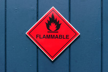 Red Diamond Shape Flammable Wa...