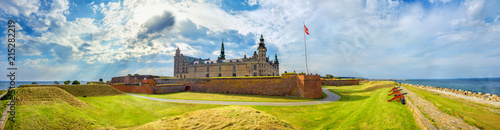 Fototapeta Fortifications with cannons and walls of fortress in Kronborg castle (Castle of Hamlet)