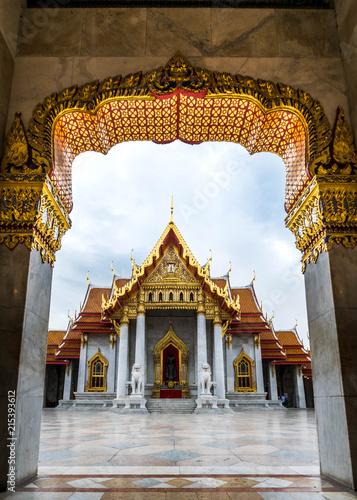 Photo  Temple in Bangkok, Beautiful Thai Temple Wat Benjamaborphit in Thailand