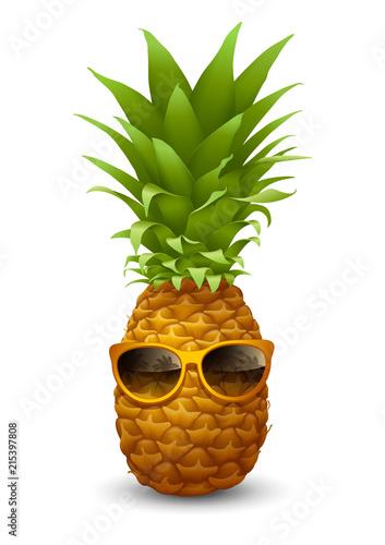Fototapeta Ananas  swiezy-dojrzaly-ananas-w-okularach-przeciwslonecznych
