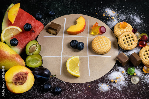 play healthy food or not - noughts and crosses
