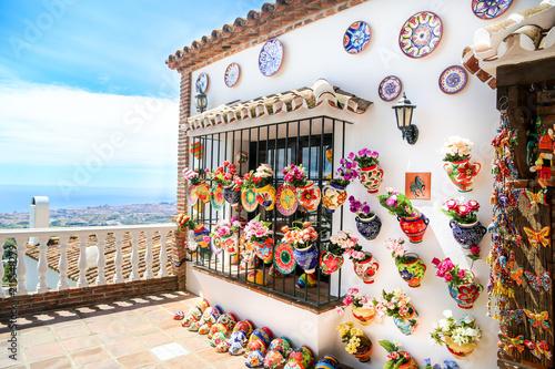 Photo vases en céramique décorés fleur, mijas, espagne 4