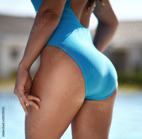 Hot women with nice asses