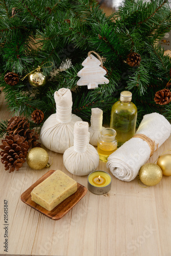 Foto op Aluminium Spa Christmas spa with Composition of treatment and wooden background