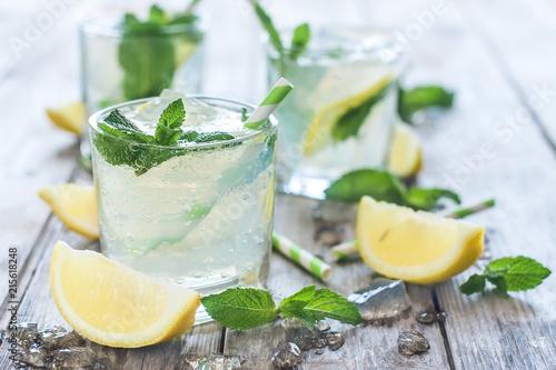 Cuadros en Lienzo Chilled mint lemonade