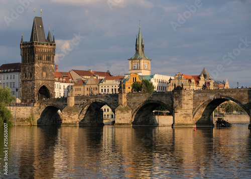 Ingelijste posters Oost Europa View of the old town and the Charles Bridge in Prague