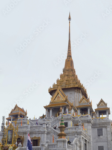 Spoed Foto op Canvas Bedehuis Wat Traimitr (Thai Temple) ,Beautiful temple near china town of Bangkok Thailand