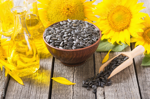 Fotobehang Kruiderij Ingredient oil , seeds and sunflower