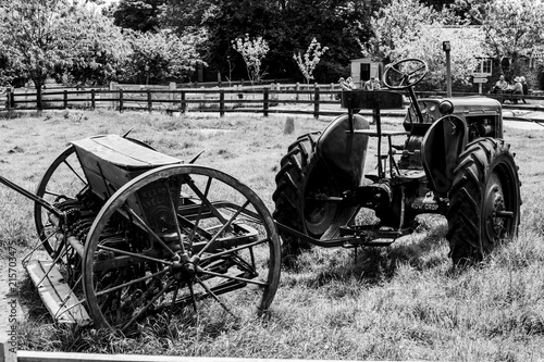 Fototapety, obrazy: old tractor