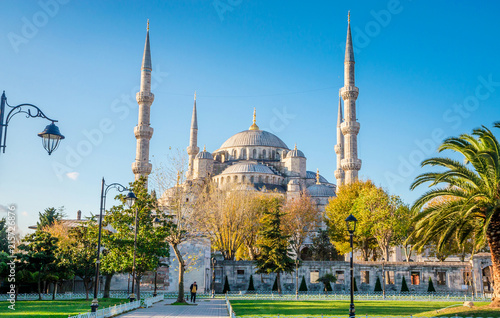 Photo  The Blue Mosque, (Sultanahmet Camii), Istanbul, Turkey.
