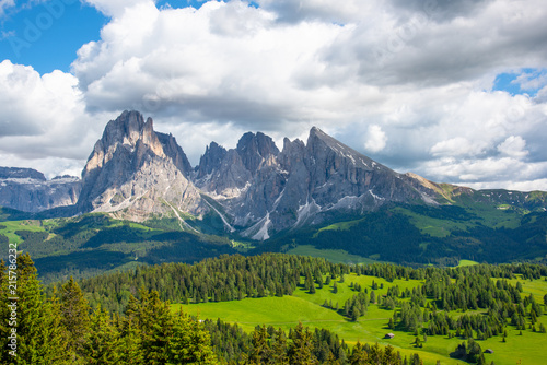 Cadres-photo bureau Alpes The beautiful Mountains view in Dolomites Italy.