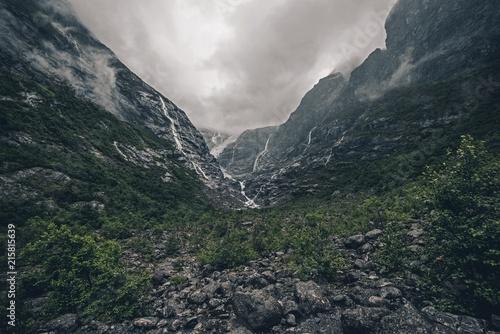 Spoed Foto op Canvas Grijze traf. Rainy Glacier Landscape
