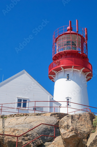 Foto op Aluminium Vuurtoren Arriving at the Lindesnes lighthouse and the house of the lighthouse keeper