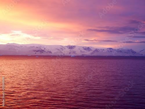 Fotobehang Antarctica Sunrise Over Brabant Island, Gerlache Strait, Antarctica