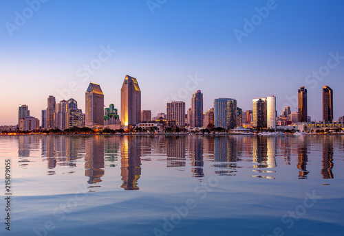 Fotografering San Diego Skyline at sunset from Coronado