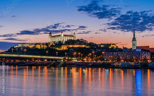 Photo  Bratislava bei Sonnenuntergang