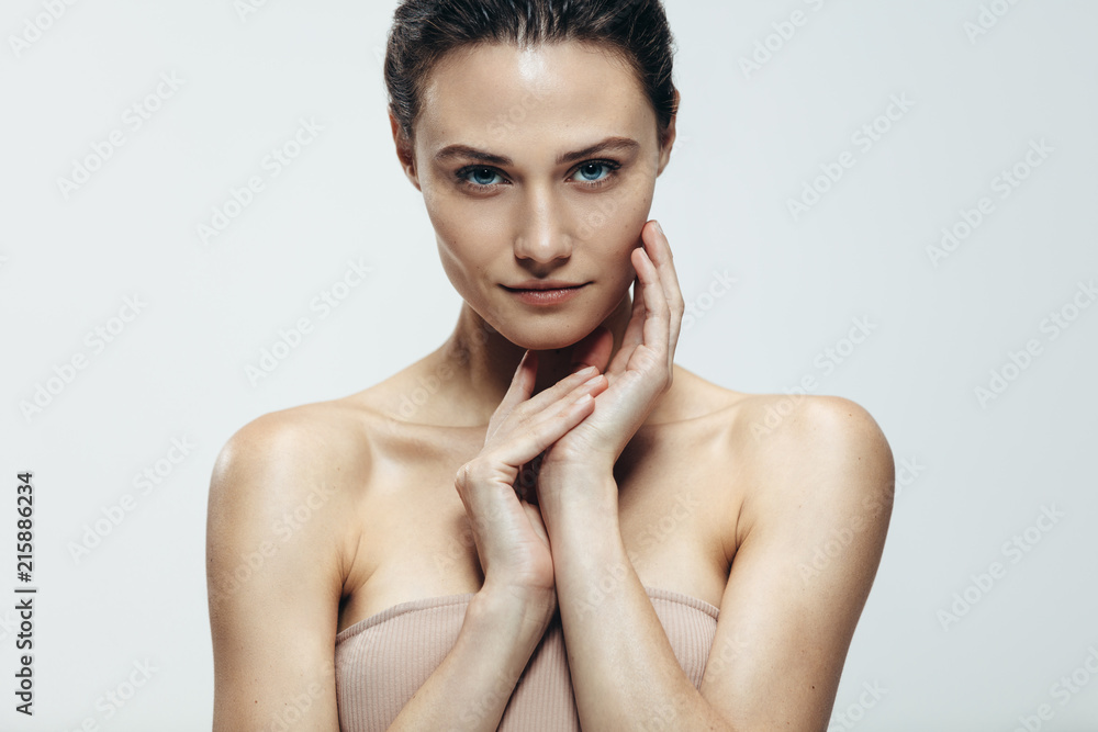 Fototapety, obrazy: Beauty portrait of woman with natural skin