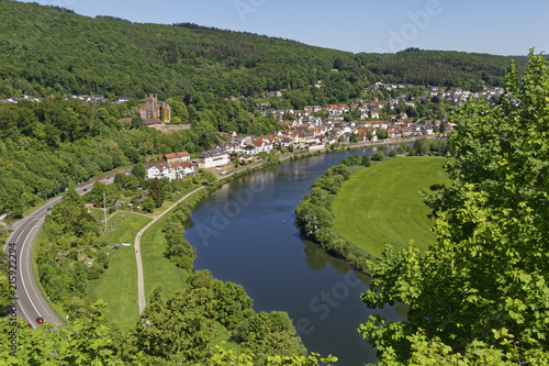 Papiers peints Riviere beautiful river Neckar in Neckarsteinach and Dilsberg