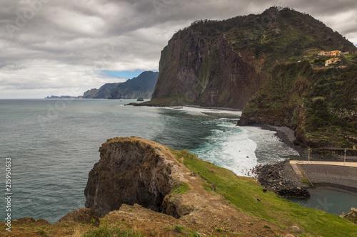 Fotografia  Coast Atlantic ocean in Faial, Madeira island, Portugal