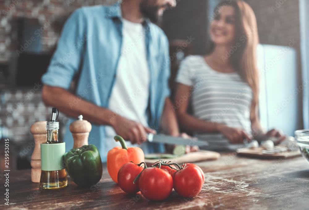 Fototapety, obrazy: Romantic couple on kitchen