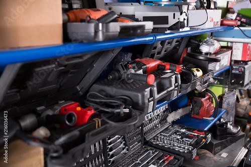 Fotografía  photo of showcase with tools