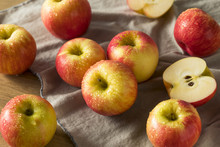 Raw Red Organic Honeycrisp Apples
