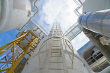 Gas Dehydration Process To Remove Moisture From Gas Before Enter To Carbon Dioxide Unit, Pressurize Vessel And Piping Of Petrochemical Industry.