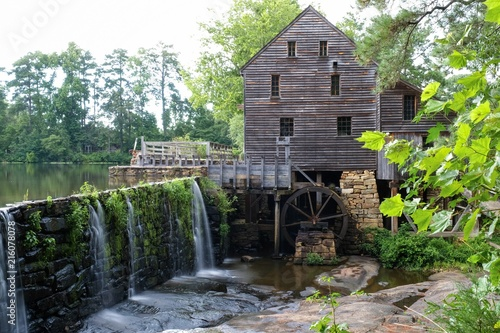 Summertime at Historic Yates Mill County Park in Raleigh North Carolina Canvas-taulu