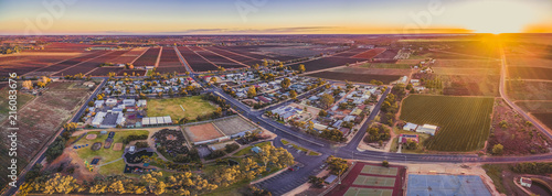 Fotografija Aerial panorama of Monash - small town in South Australia and farmlands at sunse