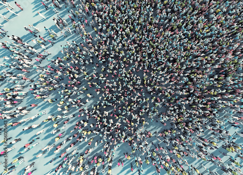 Fototapeta crowd of people viewed from above obraz