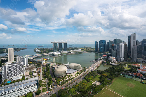 Photo  Aerial view of Singapore business district and city with famous landmark at afternoon in Singapore, Asia