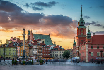 Royal Castle, ancient townhouses and Sigismund's Column in Old town in Warsaw, Poland. Evening view, long exposure.