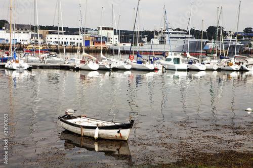 In de dag Poort boats in the harbor