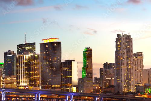 Keuken foto achterwand Verenigde Staten Downtown skyline at dusk, Miami, Florida, USA