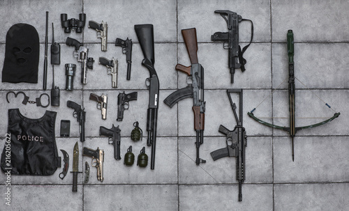 Fotografía  arsenal of firearms,crossbow