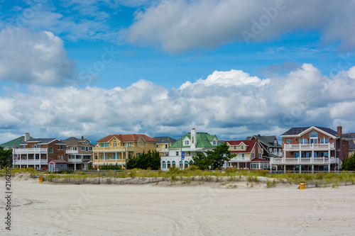 Fotobehang Amerikaanse Plekken Beachfront houses in Ventnor City, New Jersey.