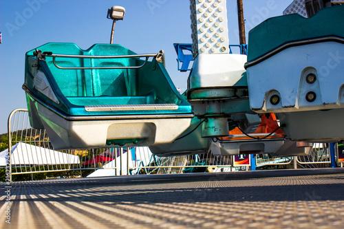 Fotografie, Tablou  Green Amusement Park Ride