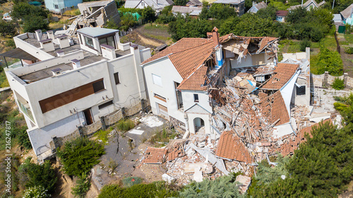 Fotografie, Tablou The destroyed luxury house after the earthquake